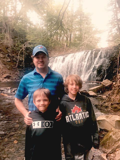 #dadnurse and travel nurse Trevor with his sons